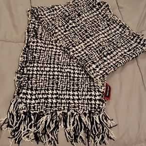 Rayon Houndstooth Scarf